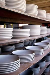 399px-Unglazed_plates